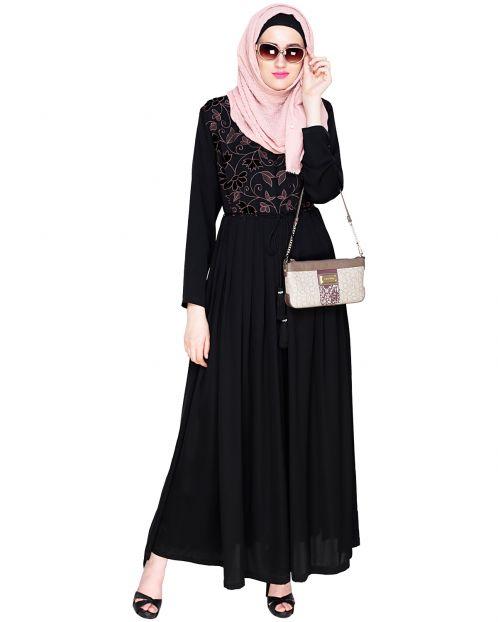 Sylvan Pleated  Dubai Style Black Abaya