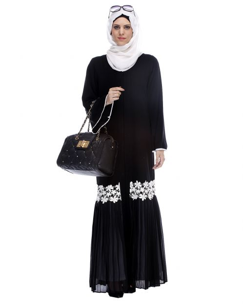 Black Pleated Abaya