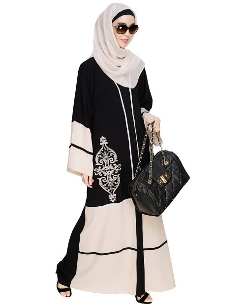 Flamboyant Embroidered Black Dubai Style Abaya