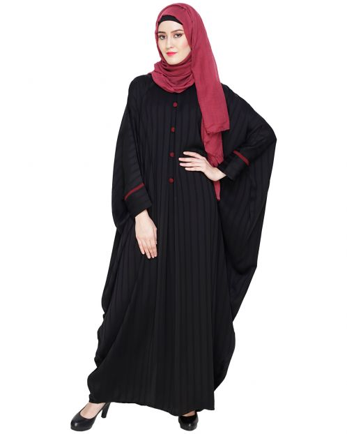 Graceful Pleated Black Kaftan
