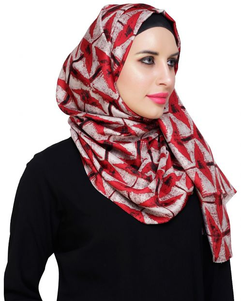 Vougish Triangle Print Maroon Hijab