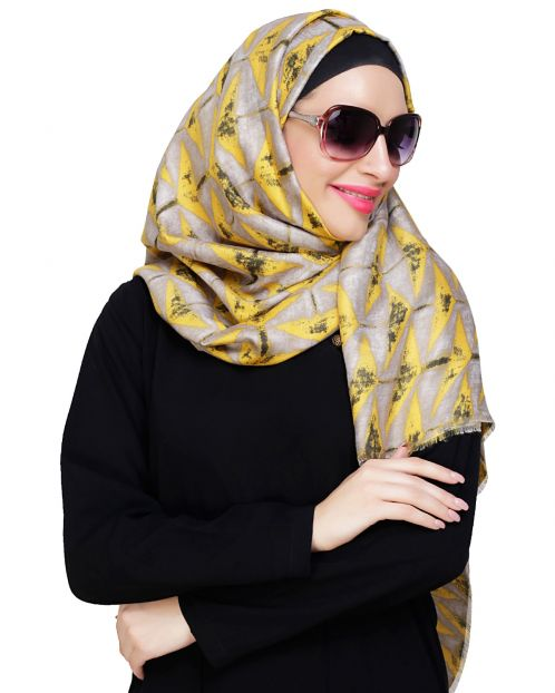 Vougish Triangle Print Yellow Hijab