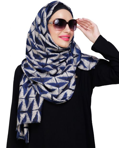 Vougish Triangle Print Grey Hijab