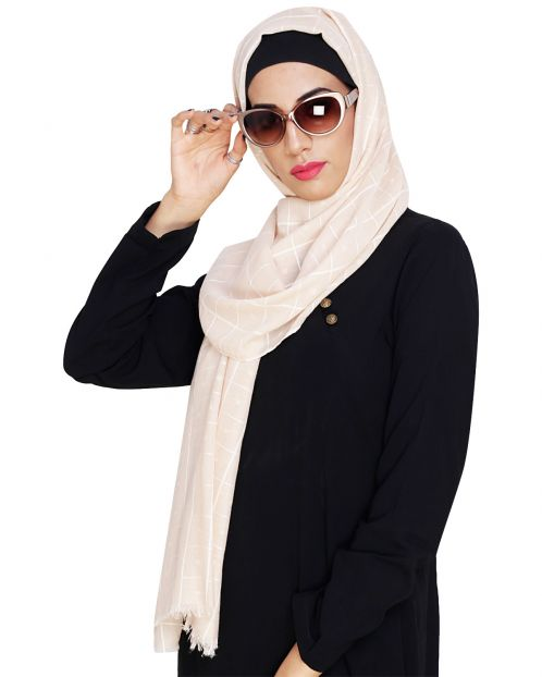 Classy Peach with White Checquered Hijab