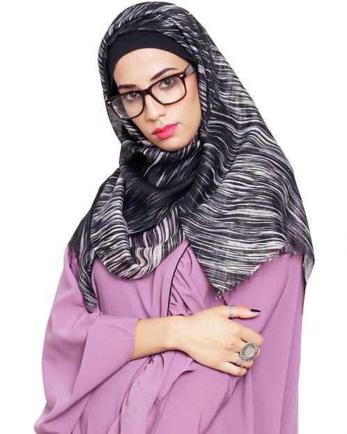 Stlyish Black Abstract Pinted Hijab