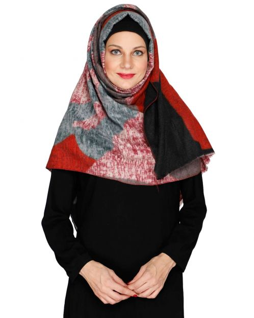Wavelet of colours Red woolen Hijab
