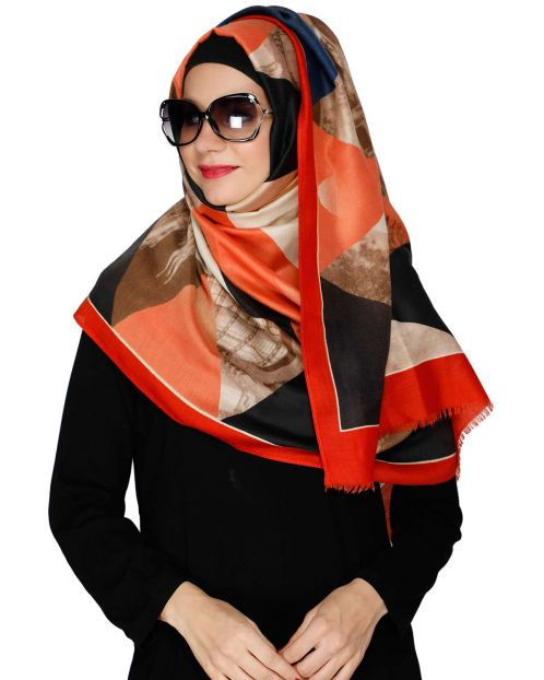 Geometric Pattern Dark Red Hijab