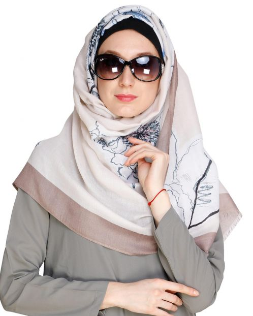Printed Solid Border off white Hijab