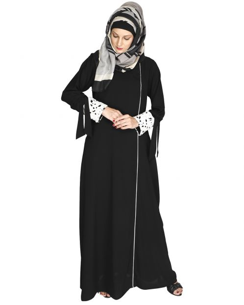 Black Lace & Bow Detailed Abaya
